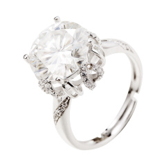 经典皇冠款6克拉莫桑石戒指
