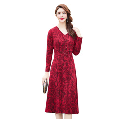 巴莉蔲婀娜多姿手工穿珠连衣裙 货号130869