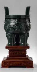 非物质文化遗产、重宝重器、手工精雕细琢、《三足鼎》
