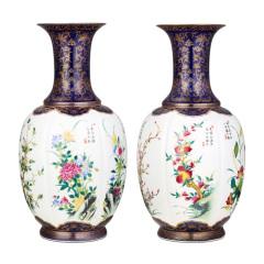 宫瓷《四时吉祥》花卉对瓶